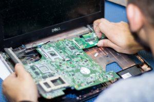 Почему важно ремонтировать ноутбук в сервисном центре
